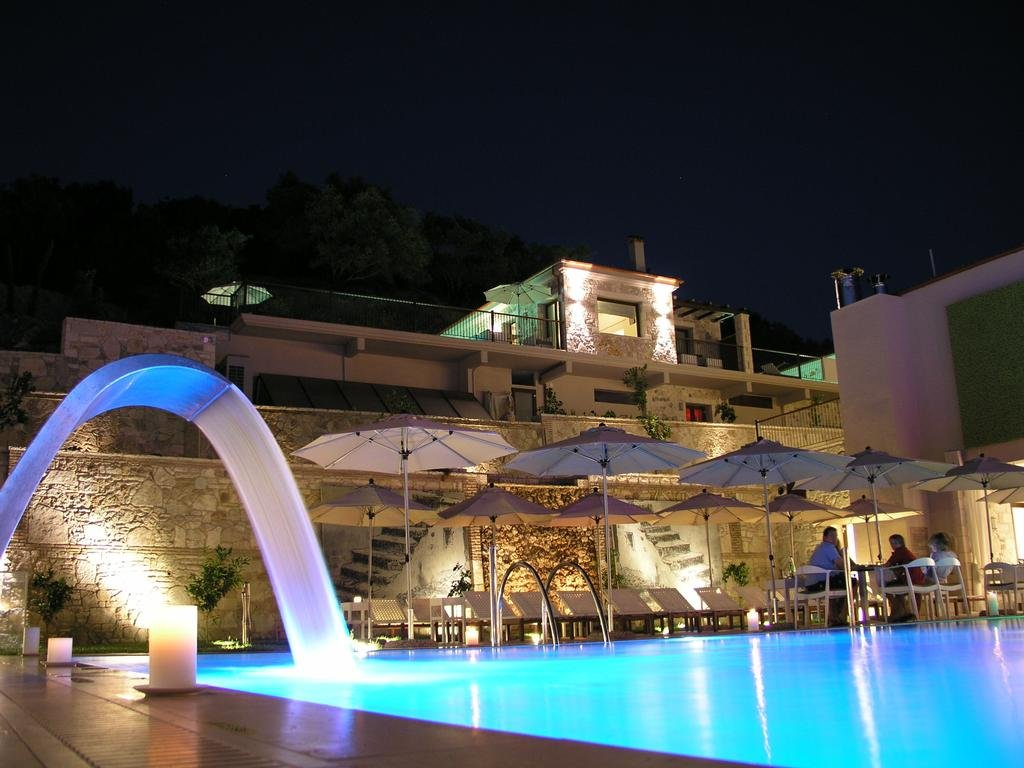 Salvator Villas & Spa Hotel Image 2