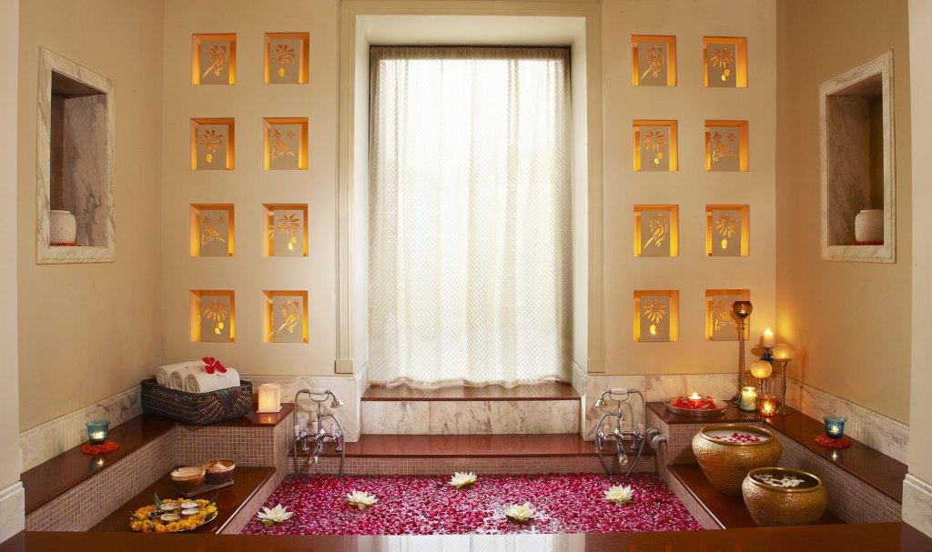 Taj Nadesar Palace,varanasi Image 6