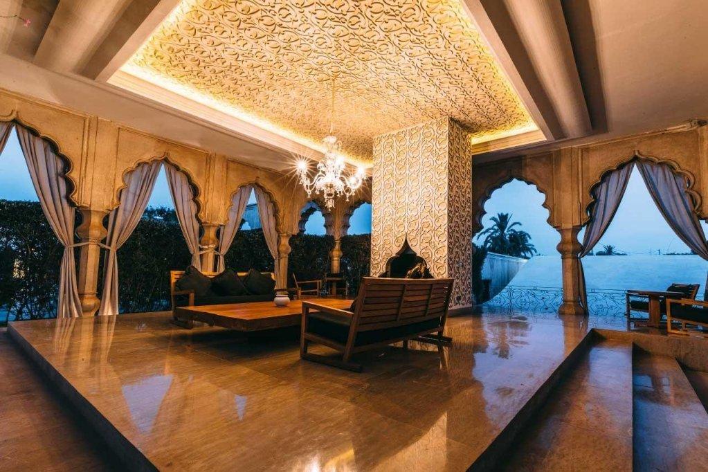 Palais Namaskar Image 23