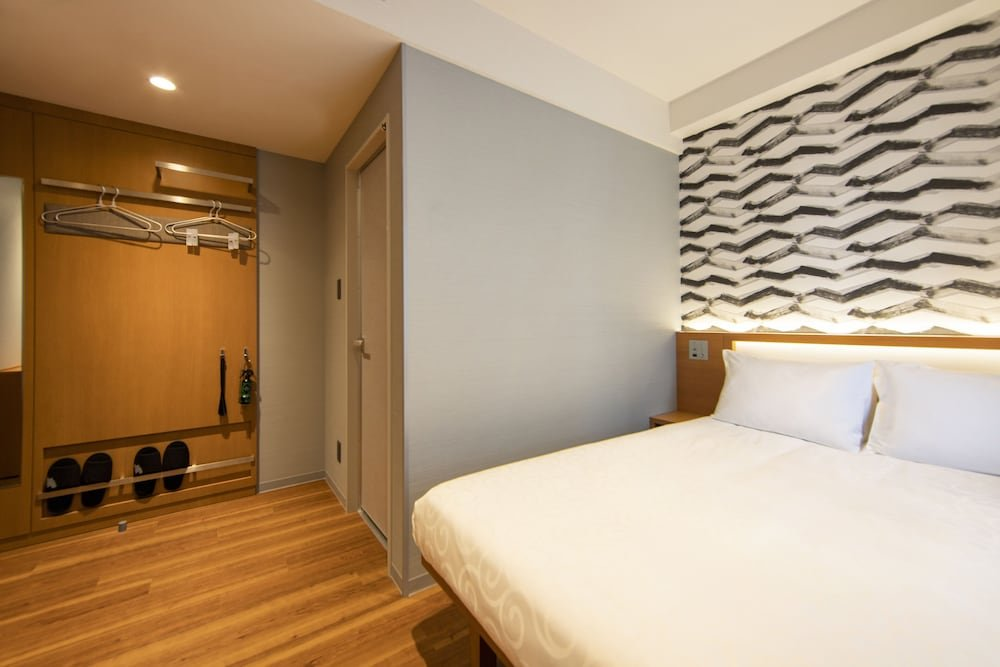 Karaksa Hotel Grande Shin-osaka Tower Image 4