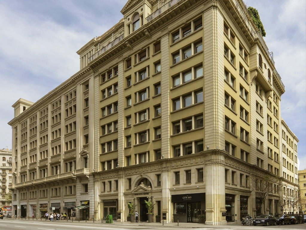 Grand Hotel Central, Barcelona Image 8