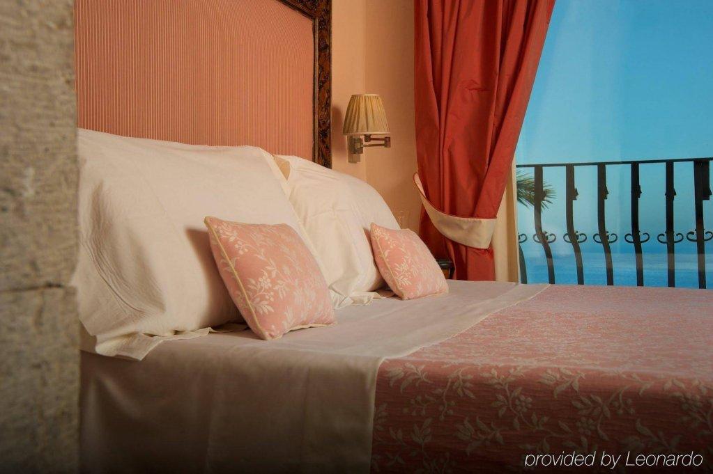 Villa Carlotta Image 1