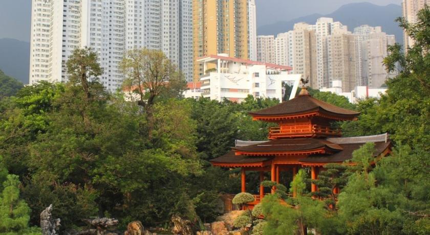 Four Seasons Hong Kong Image 1