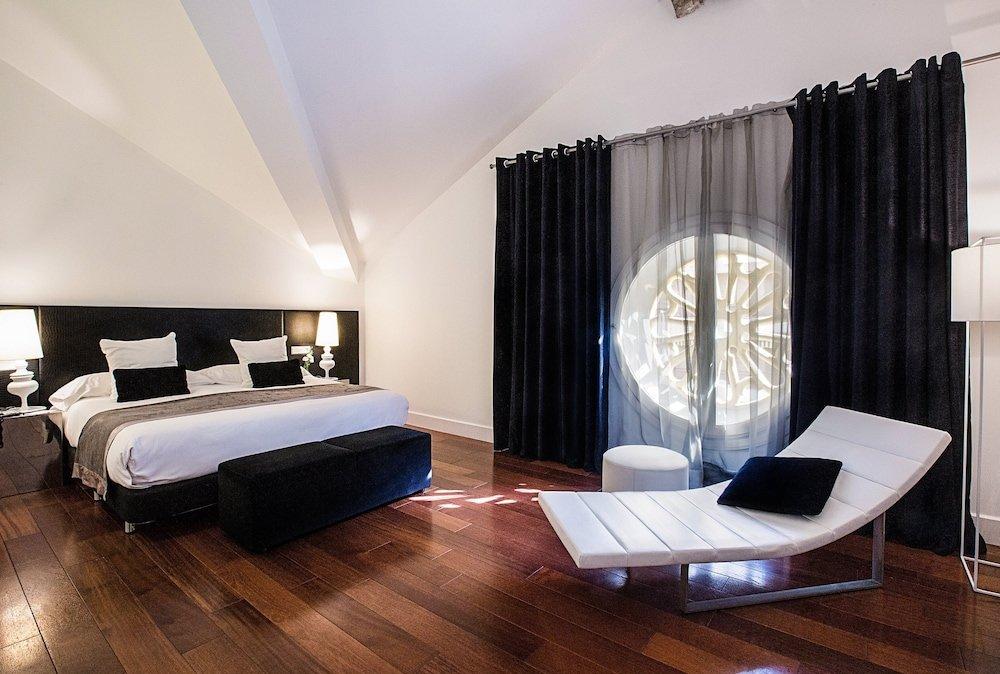 Hotel Hospes Palacio De Los Patos Image 34