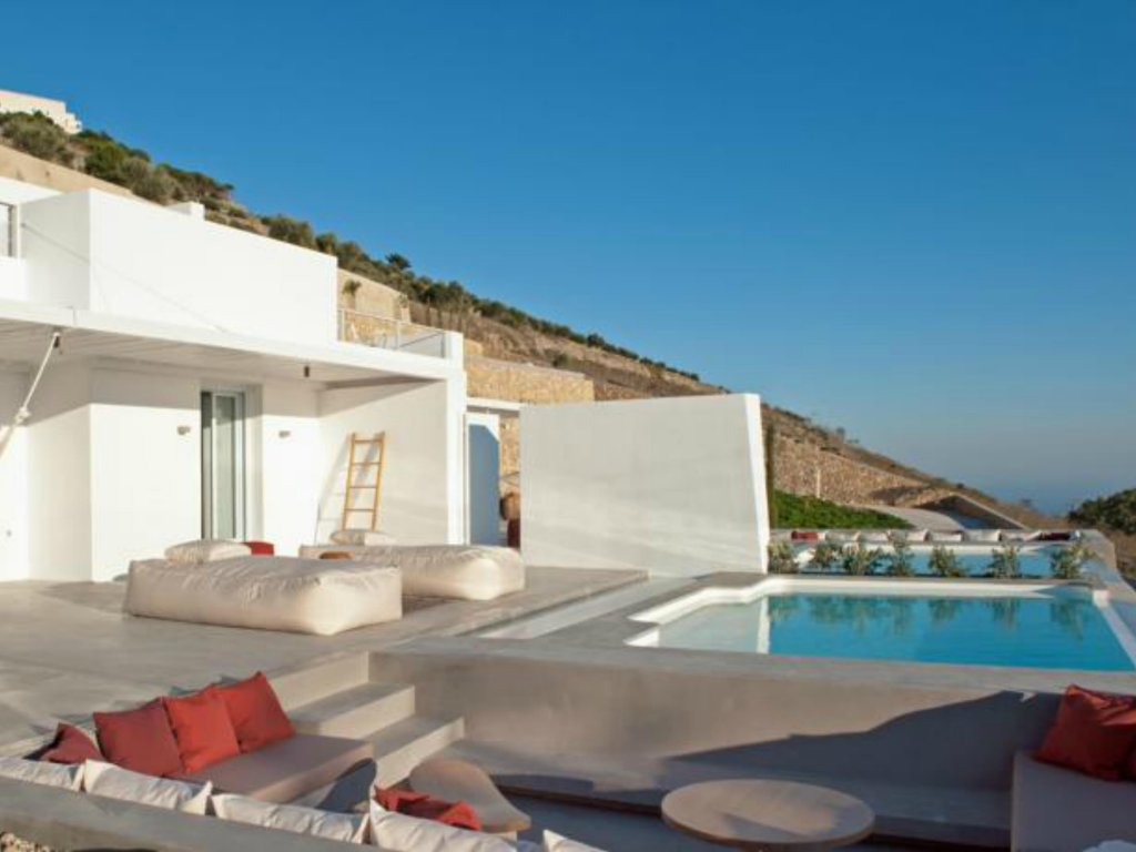 Santorini Heights Image 16