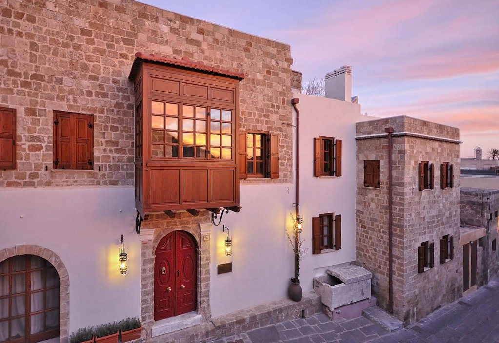 Kokkini Porta Rossa, Rhodes Town Image 0