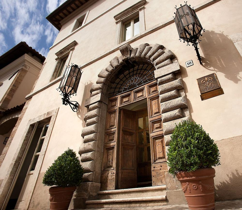 Palazzo Seneca, Norcia Image 4