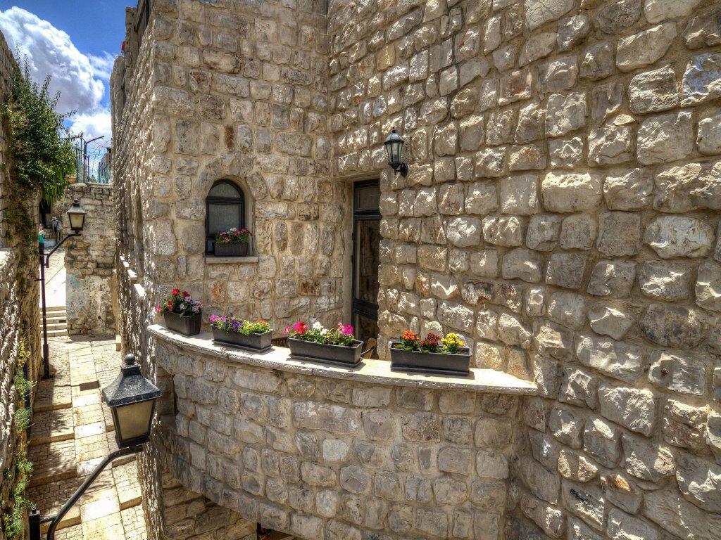 Nofesh Baatika, Safed Image 20