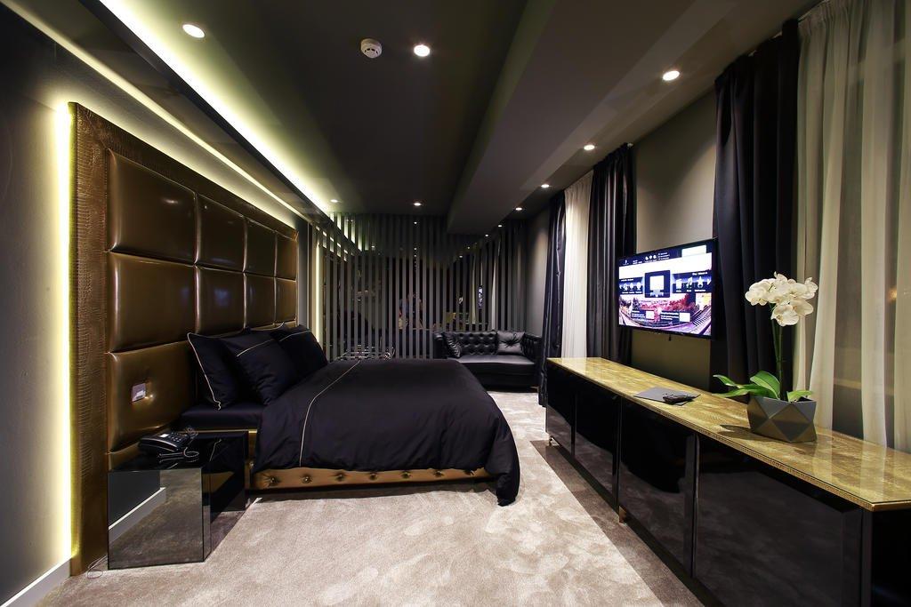 Hotel 9 Image 16