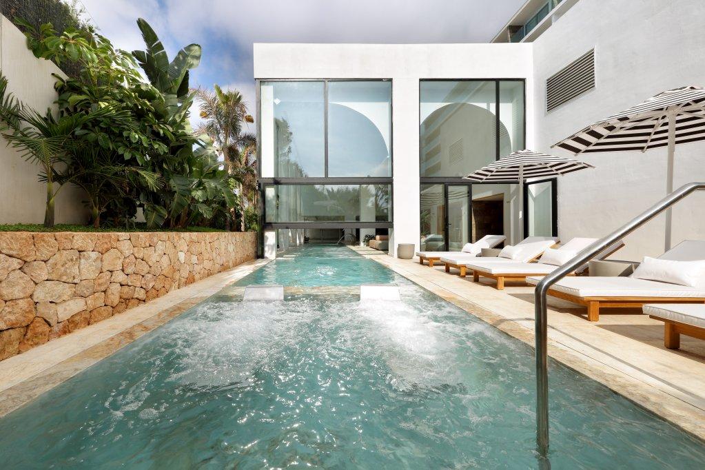 Bless Hotel Ibiza Image 6