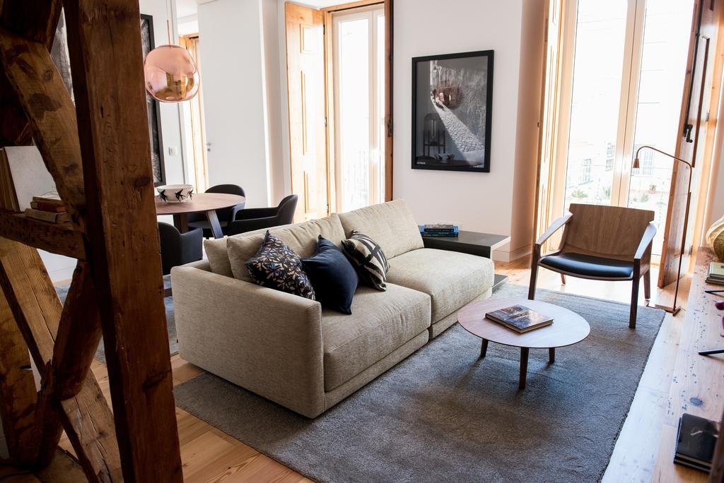 Flora Chiado Apartments Image 2