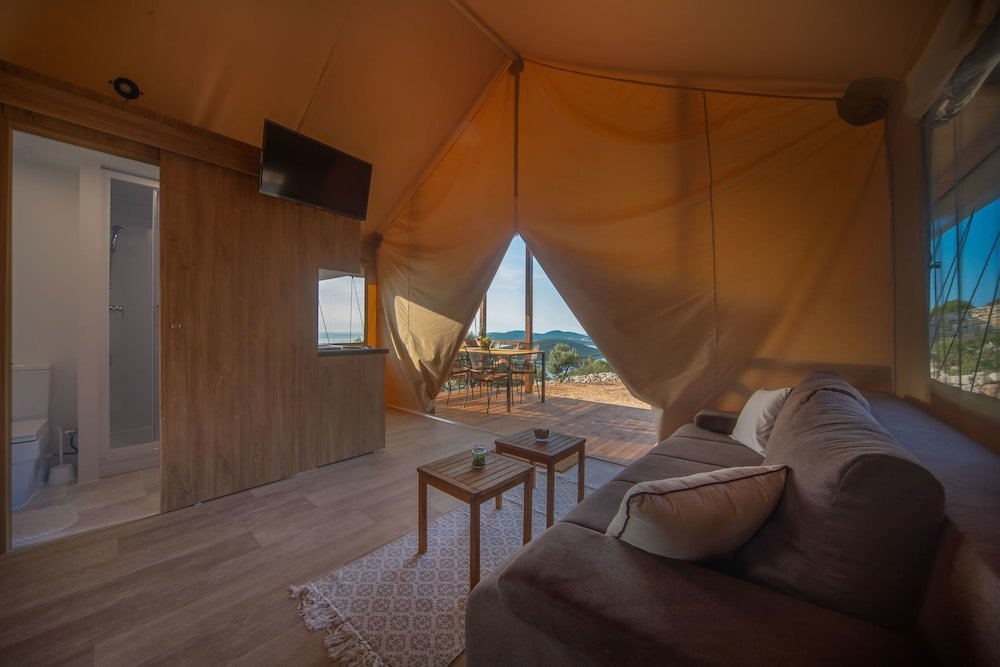 Glamping Tents Trasorka - Campsite Image 6