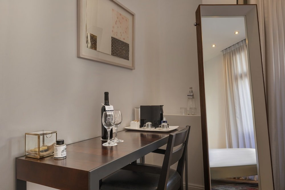 Townhouse By Brown Hotels Image 21
