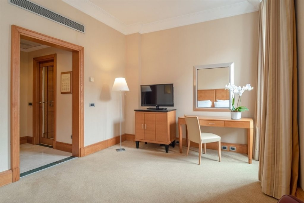 Hotel Capo D'africa - Colosseo, Rome Image 8