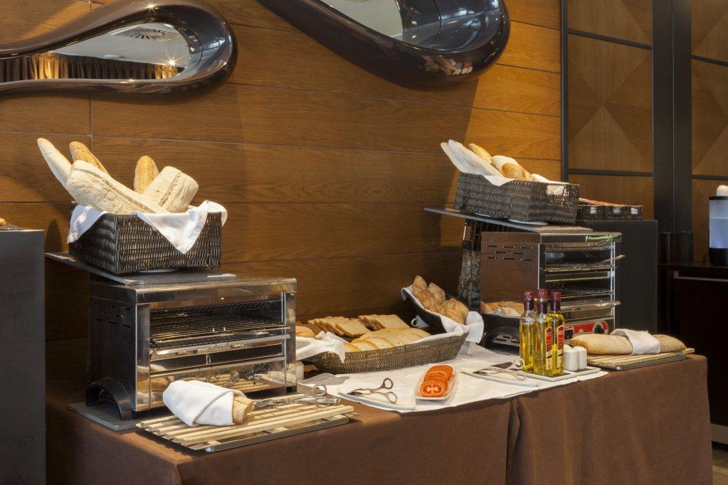 Ac Hotel Baqueira Autograph Collection Image 17