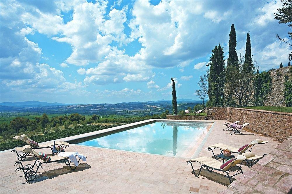 Castello Banfi - Where to stay in Siena