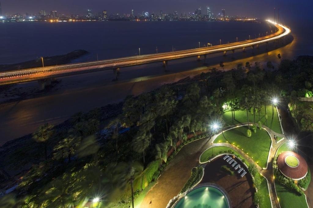 Taj Lands End Image 8