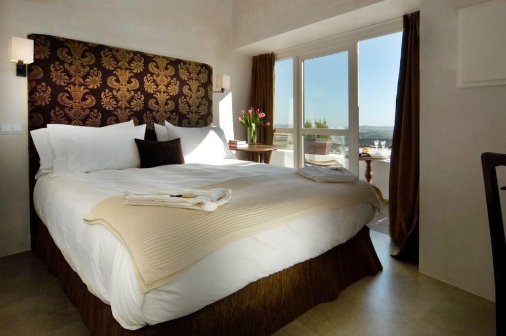 Hotel V..., Cadiz Image 0