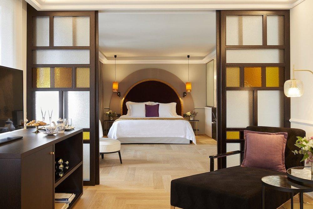 Excelsior Hotel Image 6
