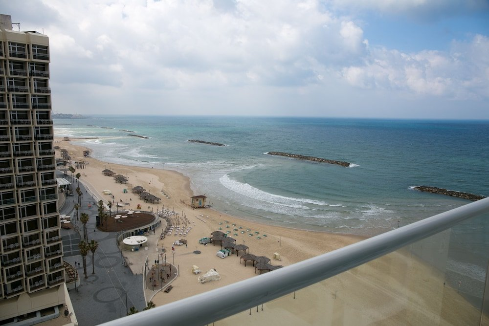 Crowne Plaza Tel Aviv Beach Image 19