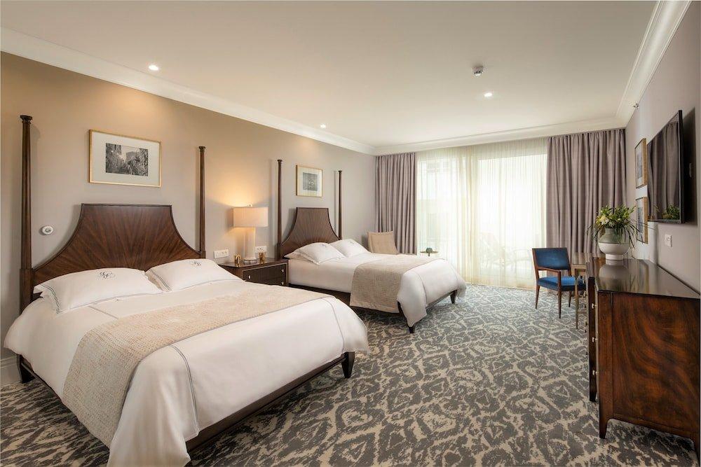 Royal Blue Hotel Image 45