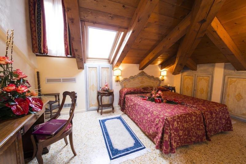 Hotel Tiziano, Venice Image 7