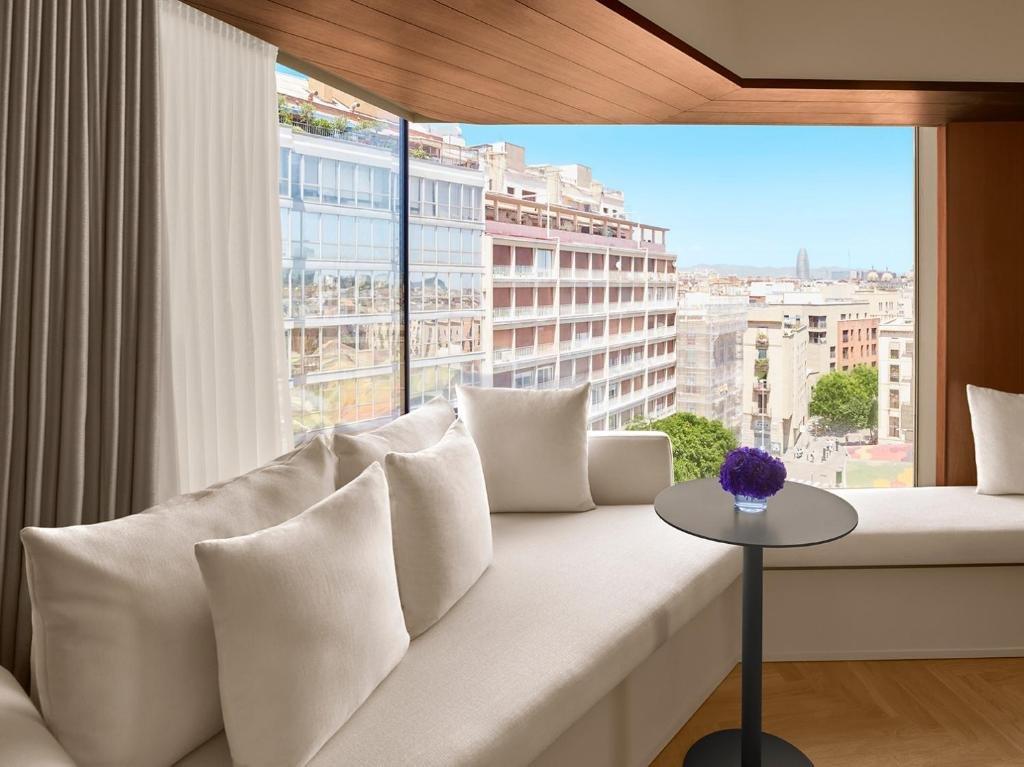 The Barcelona Edition Image 2