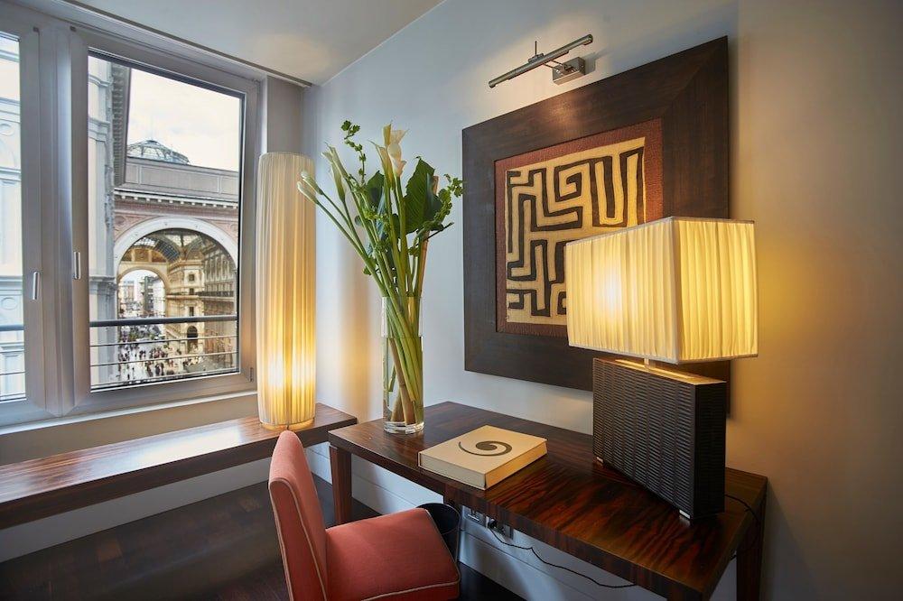 Sina The Gray, Milan Image 21