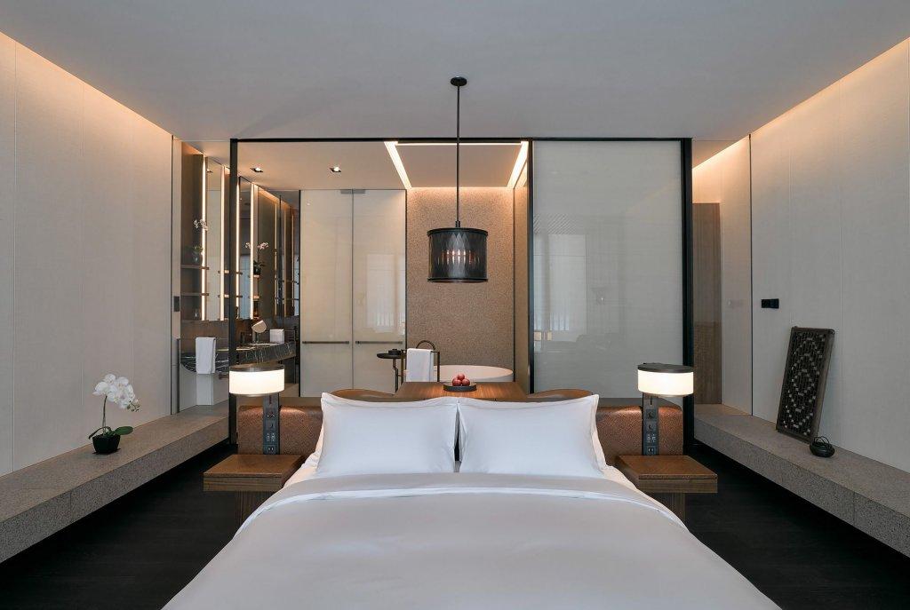 Lohkah Hotel & Spa Image 9