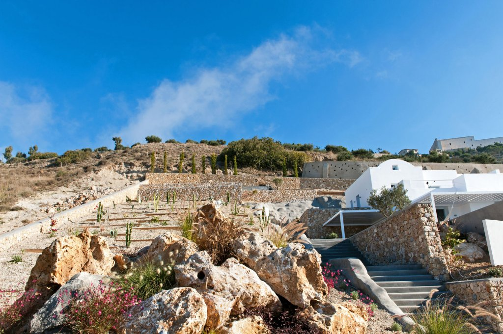 Santorini Heights Image 23