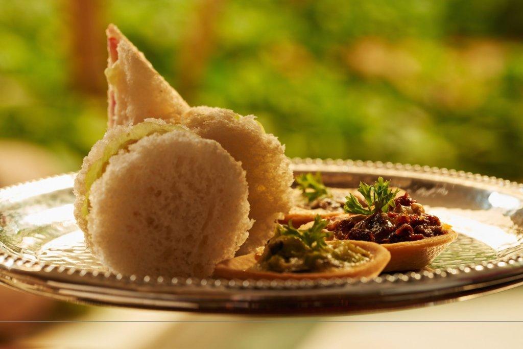 Taj Connemara Image 17
