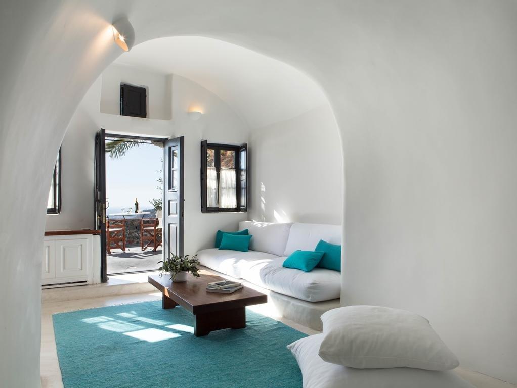 Perivolas, Santorini Image 3