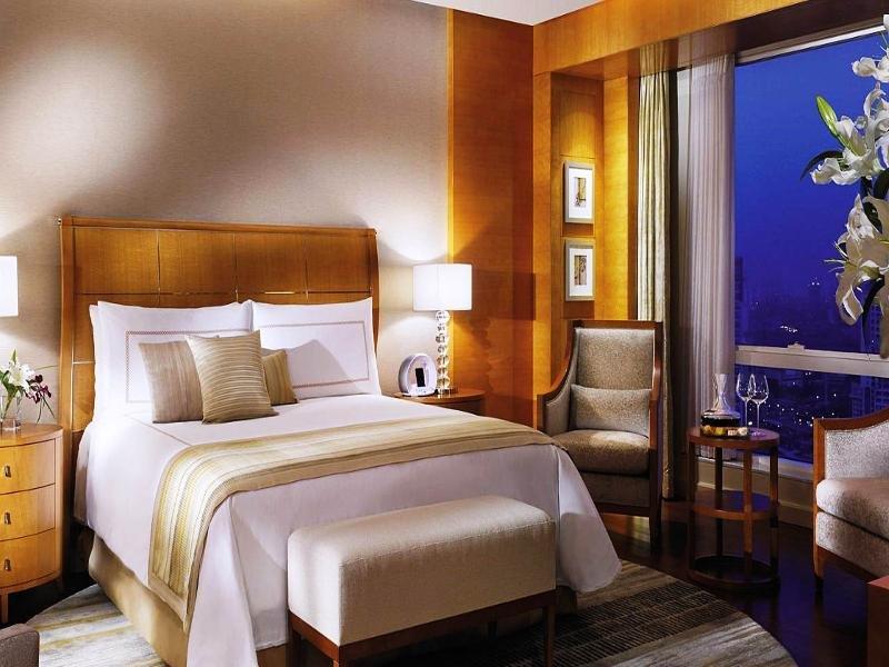 Four Seasons Hotel Mumbai Image 1