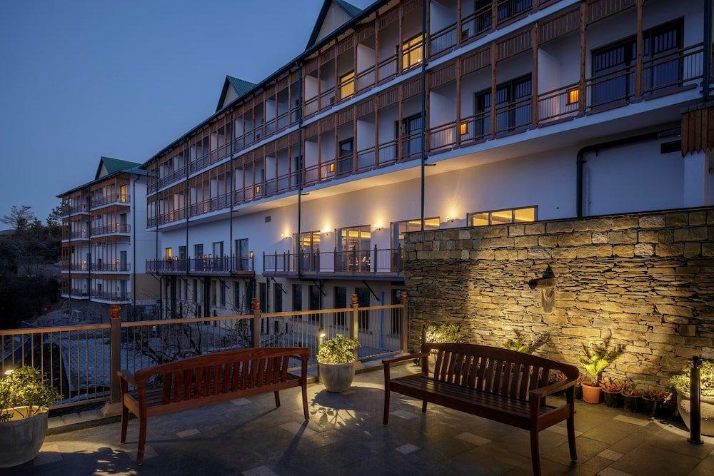 Taj Theog Resort & Spa Image 8