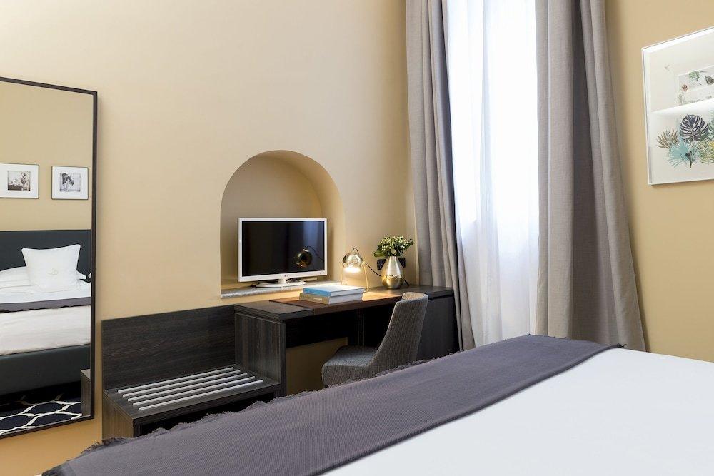 Elizabeth Lifestyle, Milan Image 18
