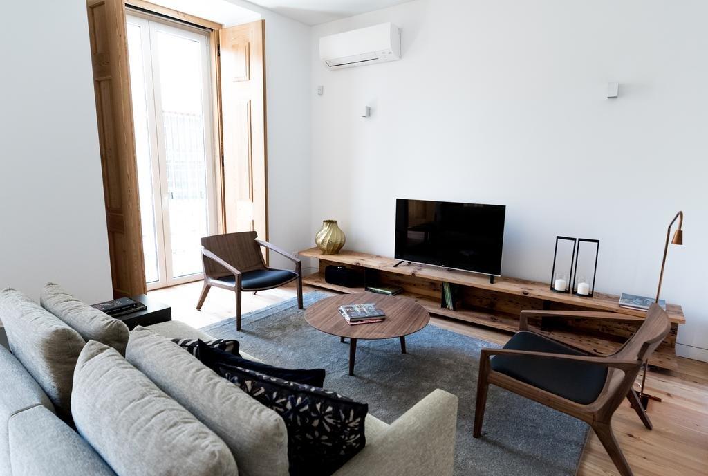 Flora Chiado Apartments Image 1