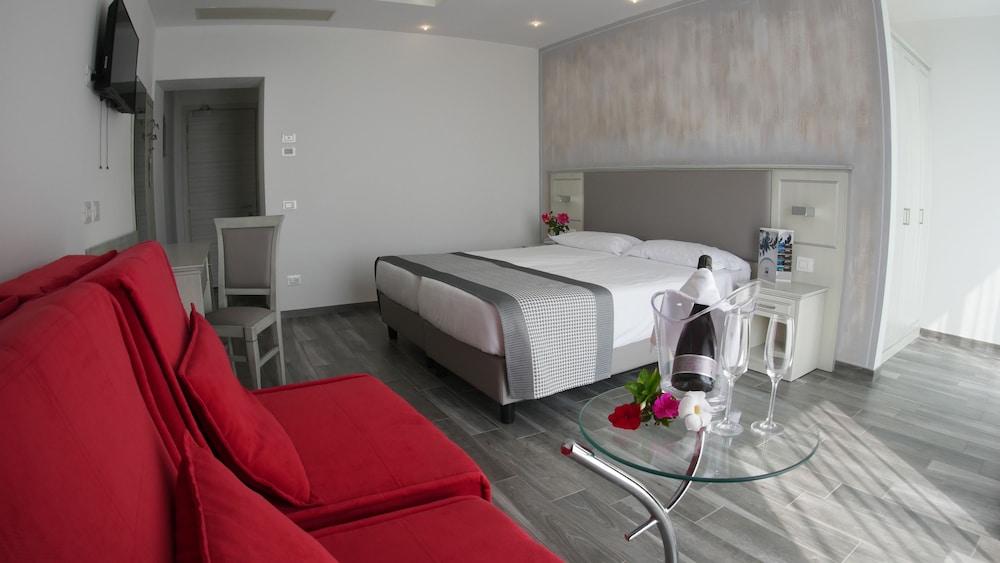 Villa Paradiso Suite, Moniga Del Garda Image 6