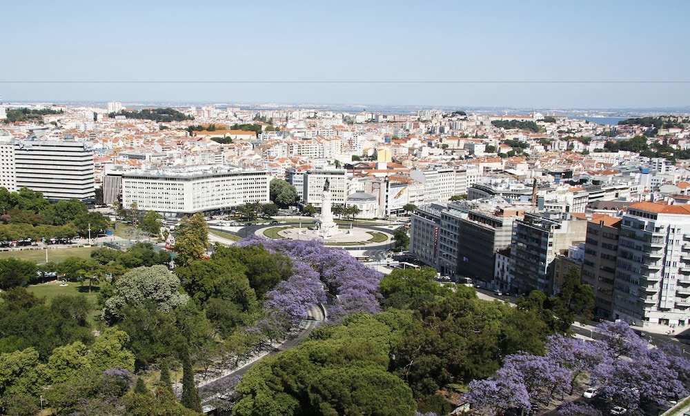 Four Seasons Hotel Lisbon Image 9