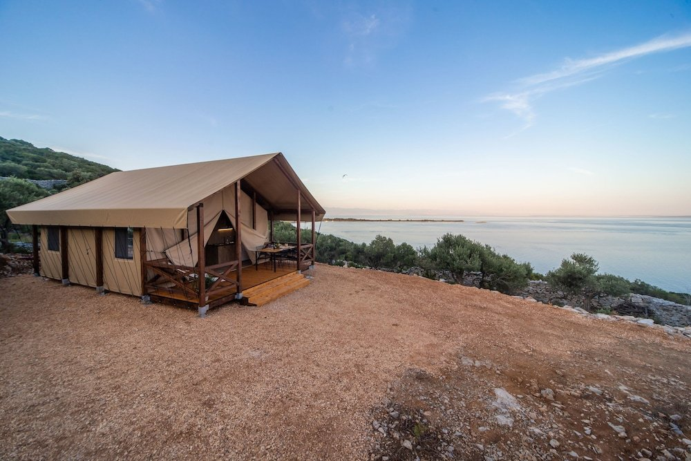 Glamping Tents Trasorka - Campsite Image 0