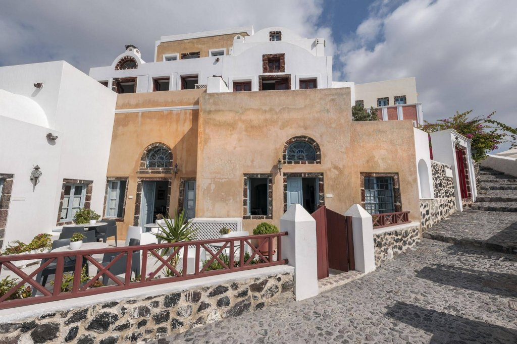 Aigialos Luxury Traditional Houses Image 2