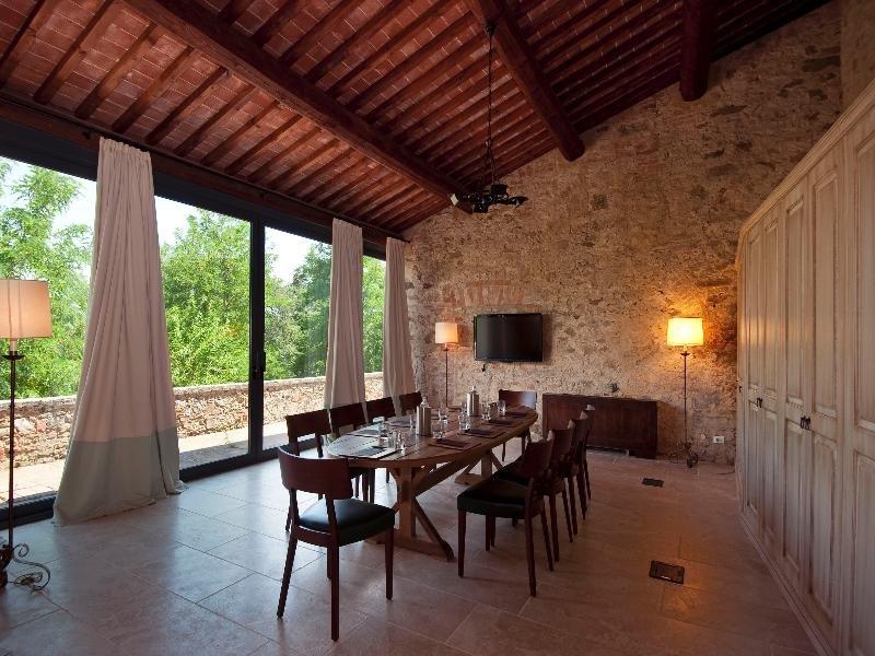 Castel Monastero, Castelnuovo Berardenga Image 0