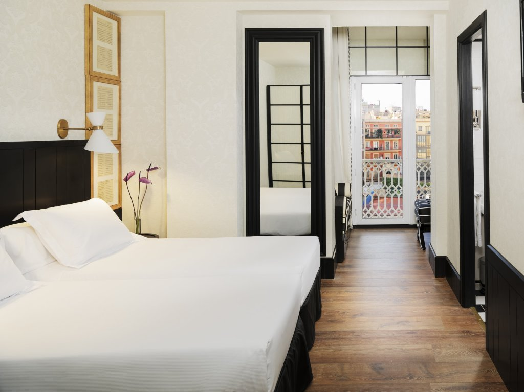 H10 Catalunya Plaza-boutique Hotel, Barcelona Image 6