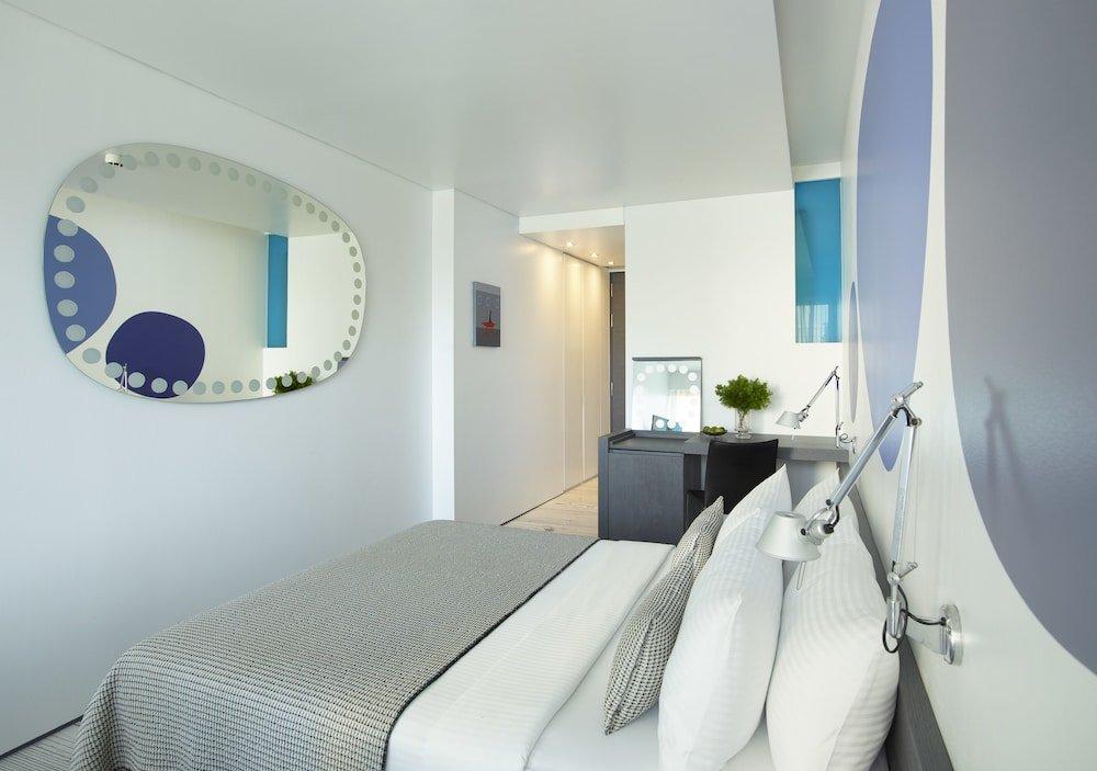Fresh Hotel Image 0