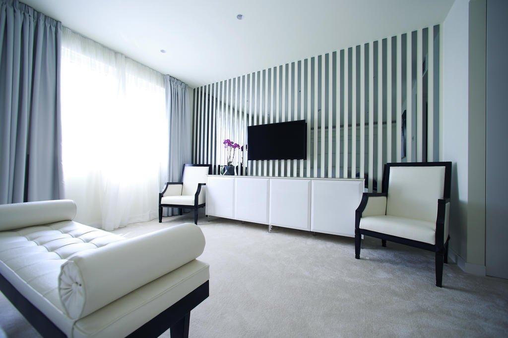 Hotel 9 Image 3