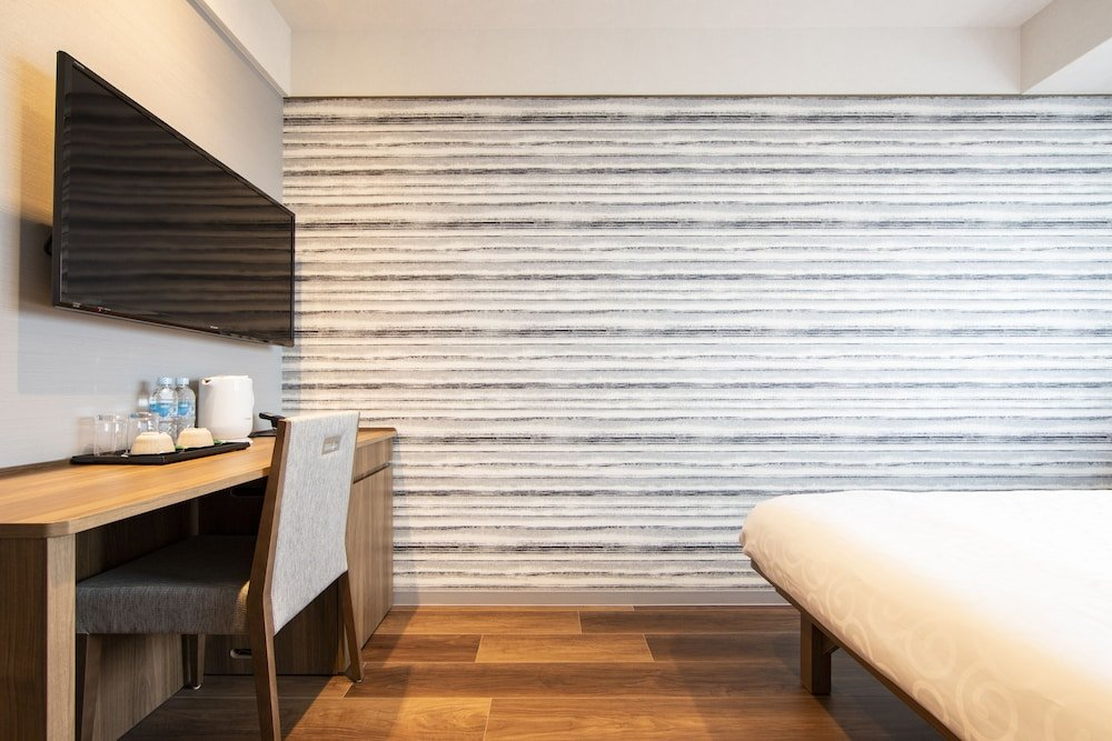 Karaksa Hotel Grande Shin-osaka Tower Image 9