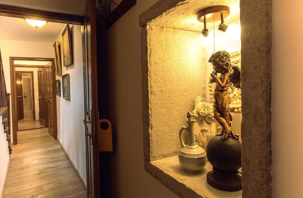 Palazzo Drusko Deluxe Rooms Image 6