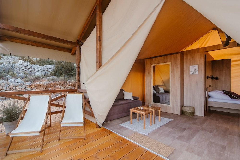 Glamping Tents Trasorka - Campsite Image 11