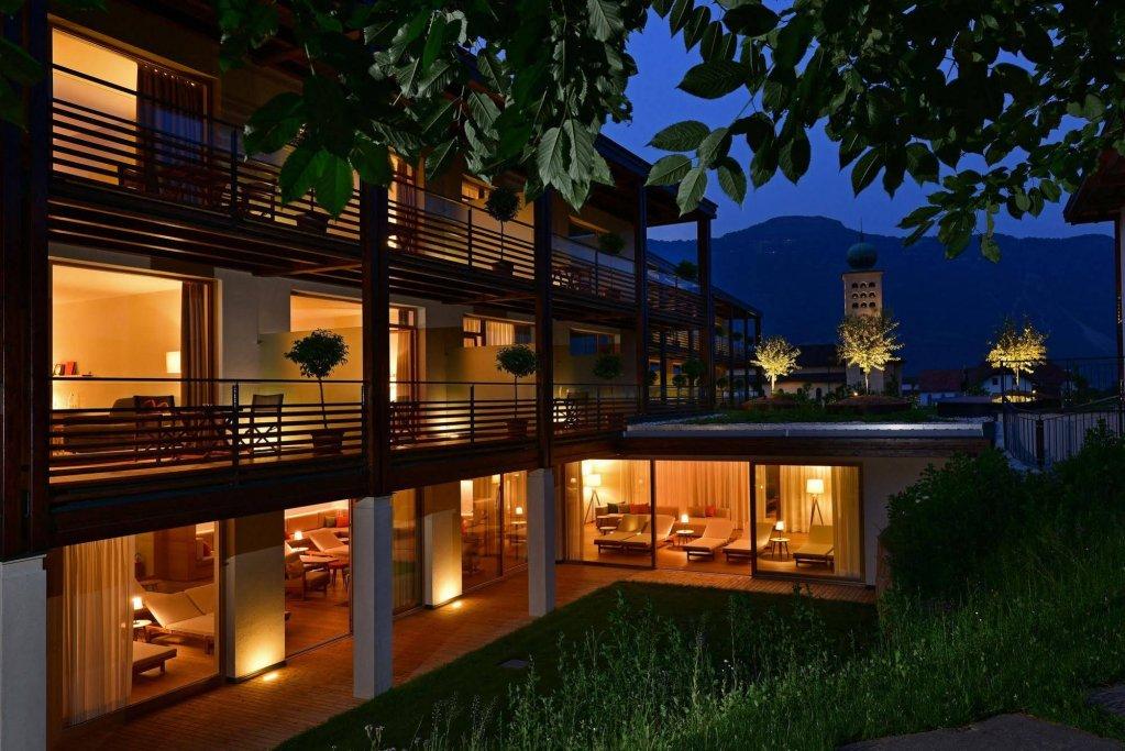 Hotel Schwarzschmied, Lana Image 0