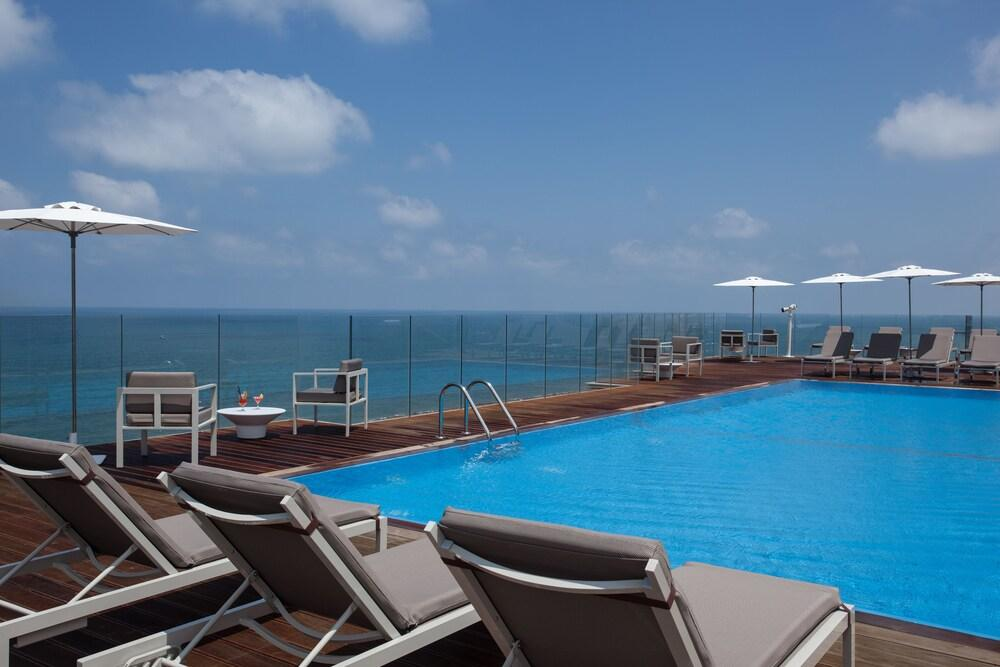 Carlton Tel Aviv Hotel - Luxury On The Beach Image 2