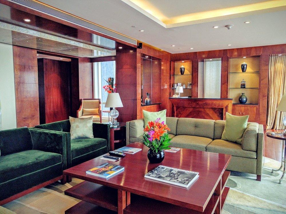 Four Seasons Hotel Mumbai Image 2